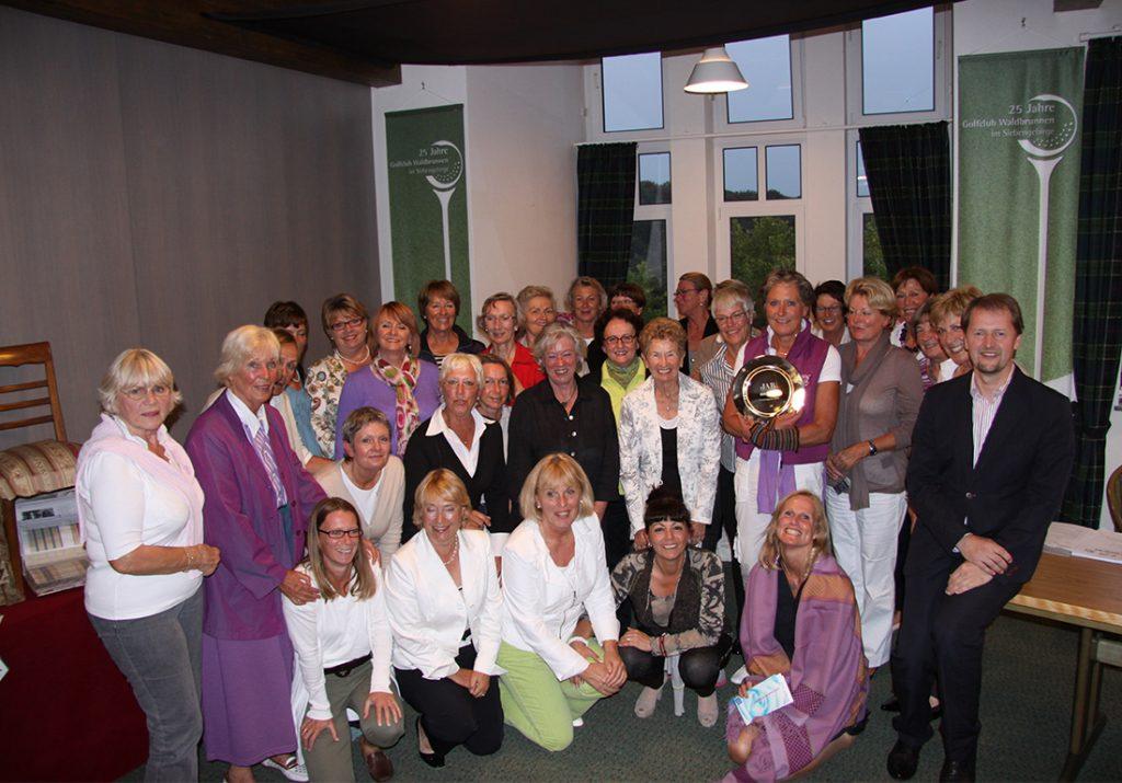 Mueller-Raumausstatter-Golf-Waldbrunnen-Damen-2010-1024x715