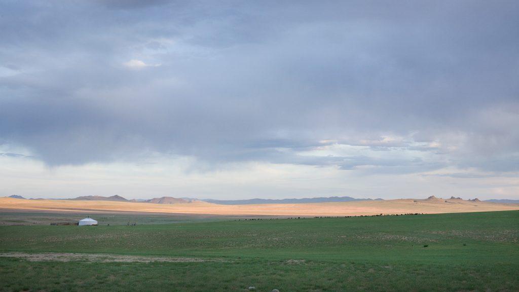 Landschaft-mit-Jurte