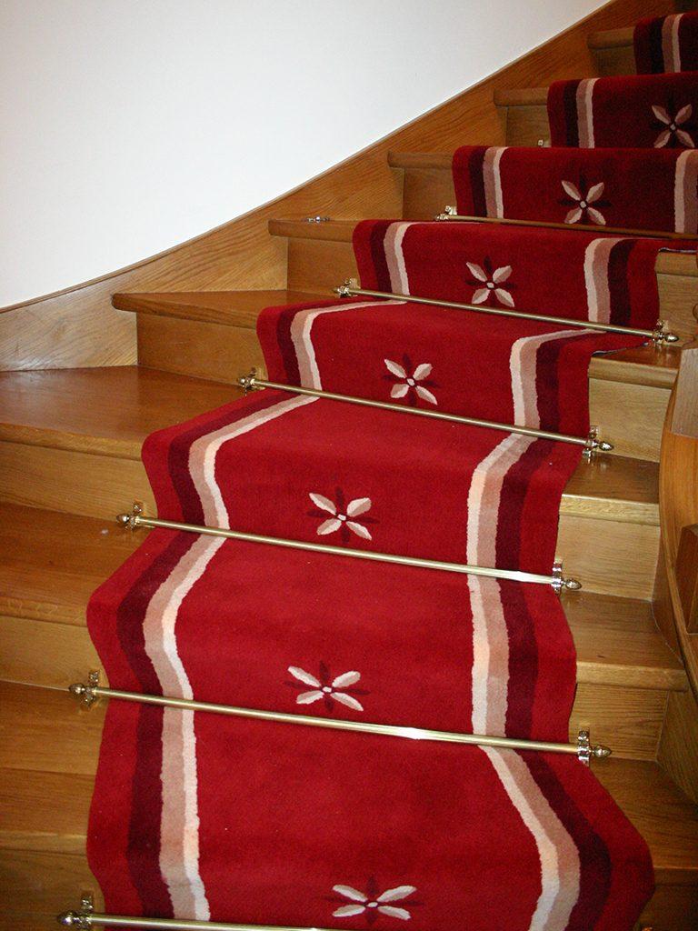 Treppenlaeufer-gewendelte-Treppe-Muster