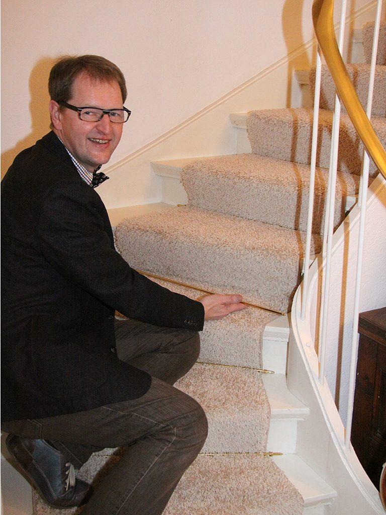 Treppenlaufer-Montage-Treppenstangen-768x1024